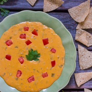 5-Minute Nut-Free Queso Dip