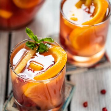 Easy and delicious Kombucha Sangria vegan nutfreevegan